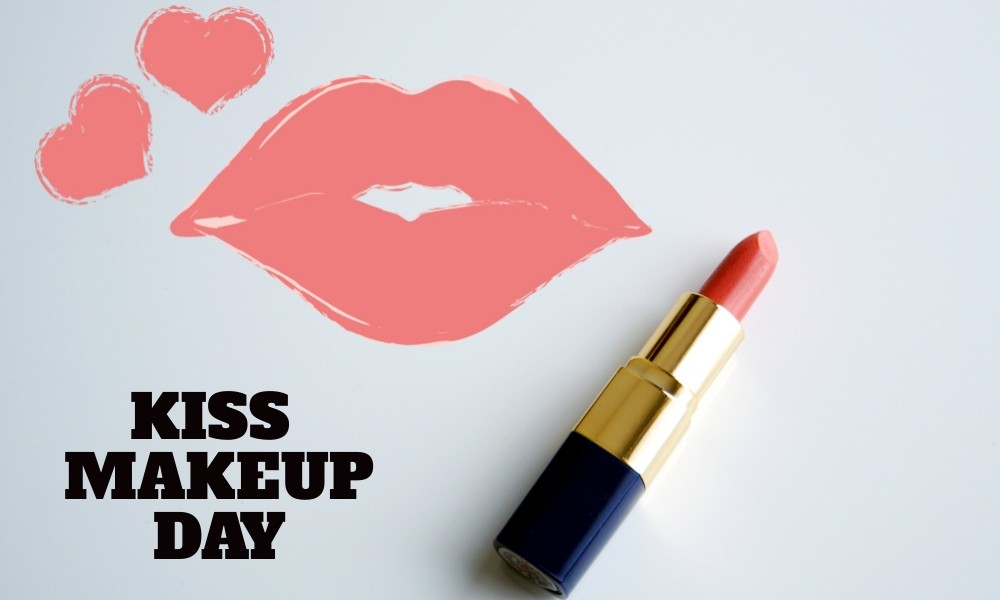 National Kiss and Make Up Day – August 25, 2021